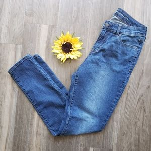 Old Navy Super Skinny mid-rise size 8R